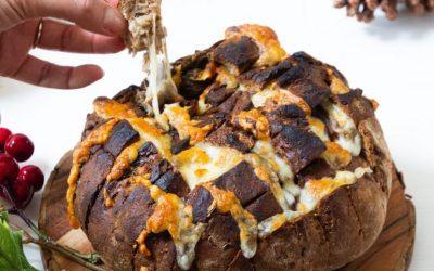 Scacchiera di pane e formaggio