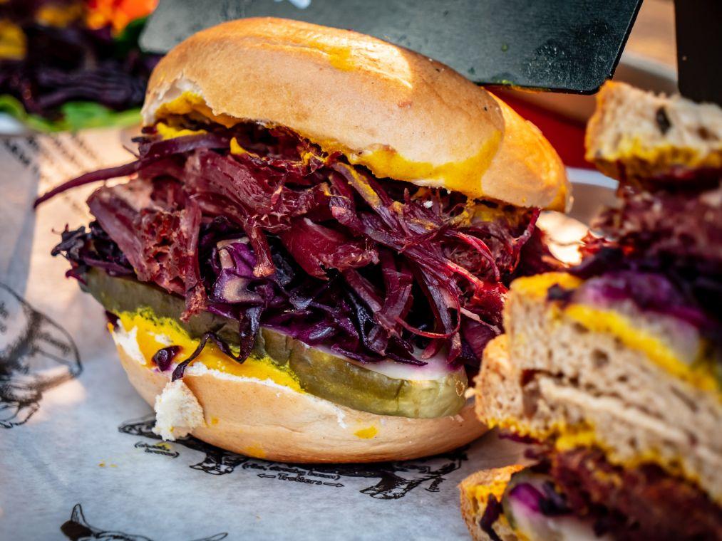 hamburger-vegetariano-barbietola-cavolo-rosso