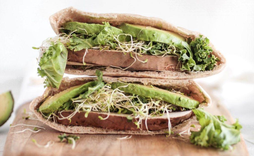 pane-arabo-vegetariano-avocado