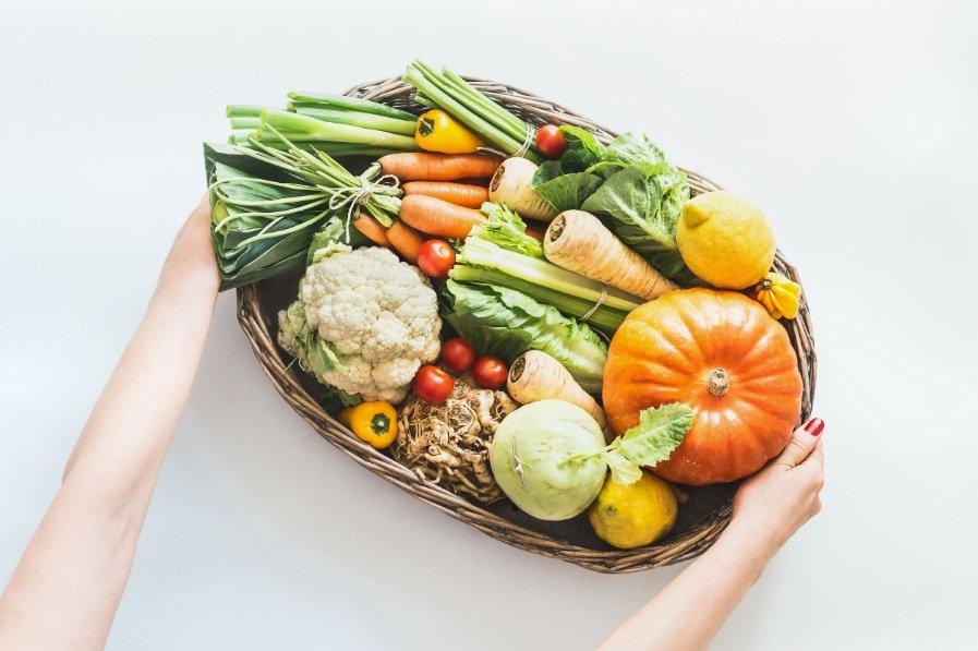 Cibo sostenibile e prodotti di stagione: il binomio che salva la salute e il pianeta