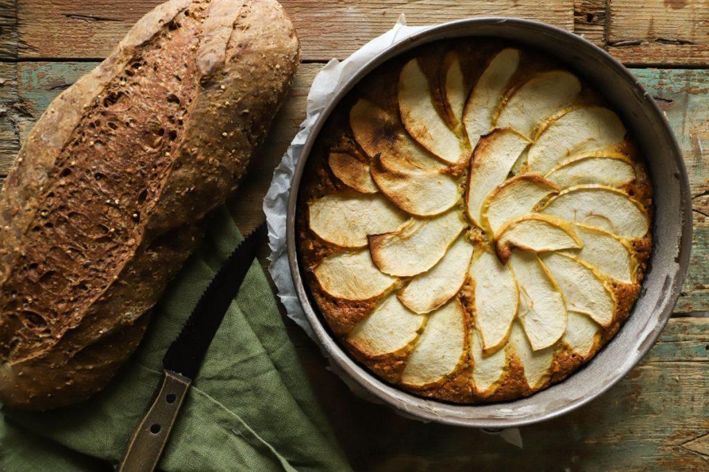 torta-di-mele-antispreco-con-pane-raffermo
