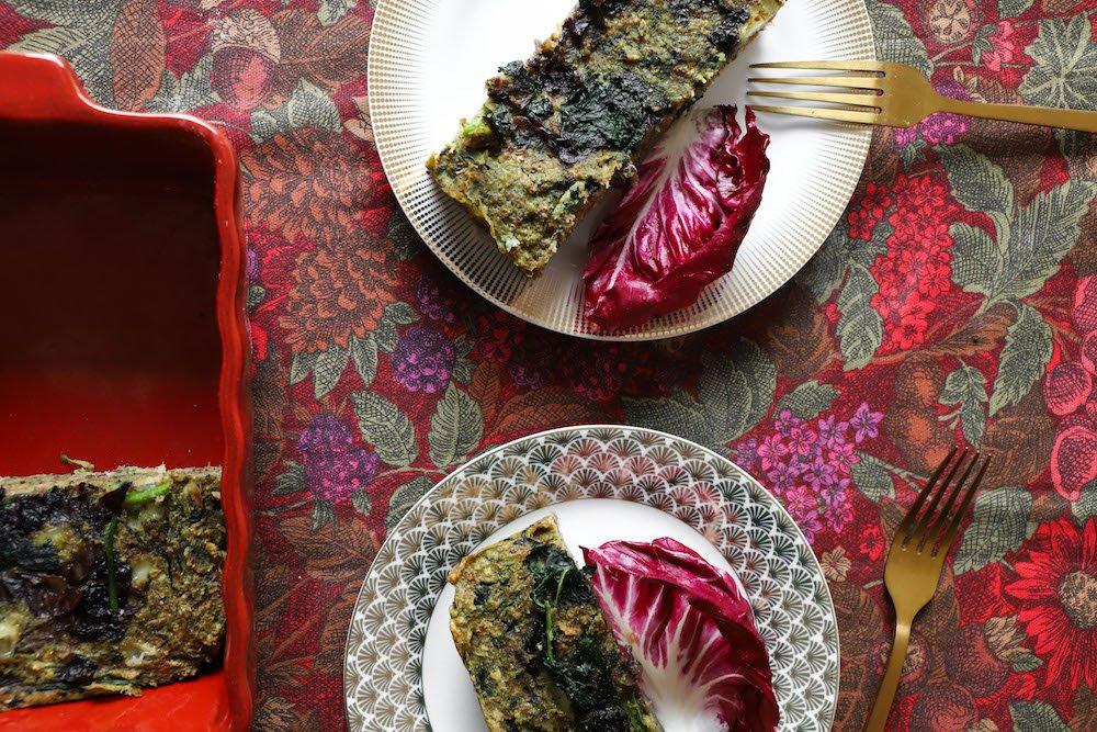 torta-salata-di-pane-ricetta-radicchio-cavolo-nero